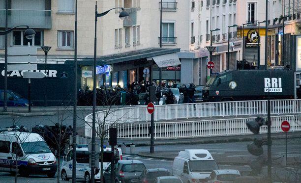 Amedy Coulibaly hyökkäsi Pariisin Porte de Vincennesissä sijaitsevaan kosher-kauppaan perjantaina 9. tammikuutta ja otti panttivankeja.