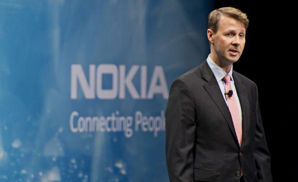 """Risto Siilasmaa kertoo muuttaneensa hallituksen johtoon siirryttyään nopeasti Nokian johtamiskulttuurin täysin päinvastaiseksi, mitä se oli hänen edeltäjän aikana. """"Nyt huono uutinen oli hyvä uutinen"""", Siilasmaa kuvailee kirjassaan."""