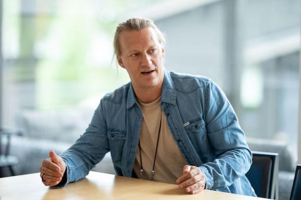 Jukka Hildén käytti kannabista unilääkkeenä. Suomessa se on rikos.