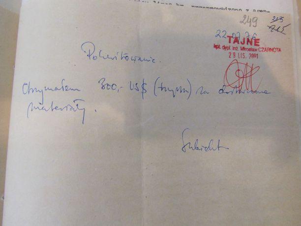 Tässä yksi esimerkki kuiteista, jotka on tehty Widomskin saamista maksuista.