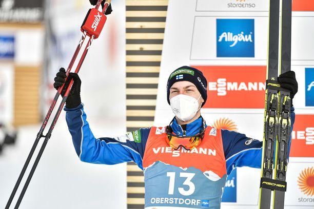 Ilkka Herola pokkasi MM-hopeaa huimalla hiihdolla.