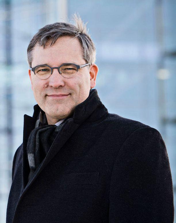 Helsingin Sanomien toimituksessa päätoimittaja Pentikäisestä pidettiin, muun muassa sen vuoksi, että hän puolusti lehden journalistista riippumattomuutta.