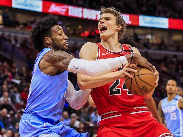 Chicago Bullsin Lauri Markkasen (oik.) kolmas NBA-kausi ei ole ollut jättimenestys.