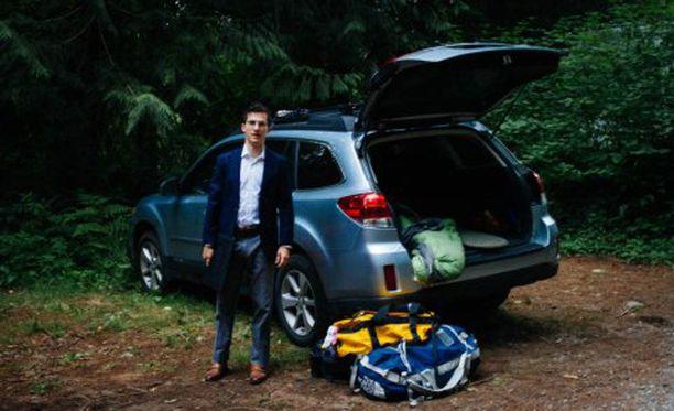 Levi Joseph ja Subaru Outback, jossa hän asui 40 päivää