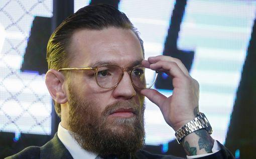 """Conor McGregor julkaisi tunteikkaan videon ja lupasi miljoonapotin sairaaloille: """"Tunnistan hyvän kamppailun, kun näen sellaisen"""""""