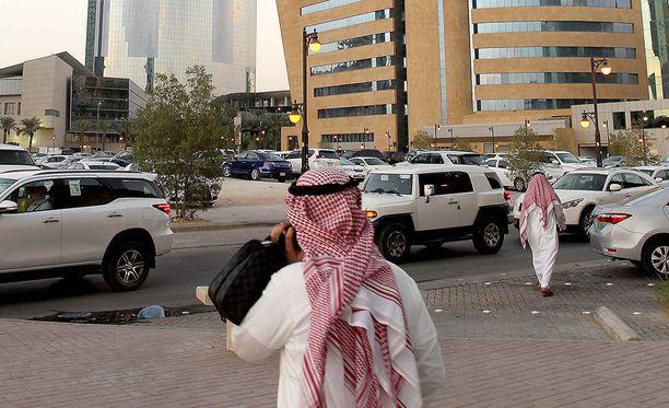 Saudiprinssi Mansour bin Muqrin kuoli sunnuntaina helikopterionnettomuudessa. Kuvituskuva.