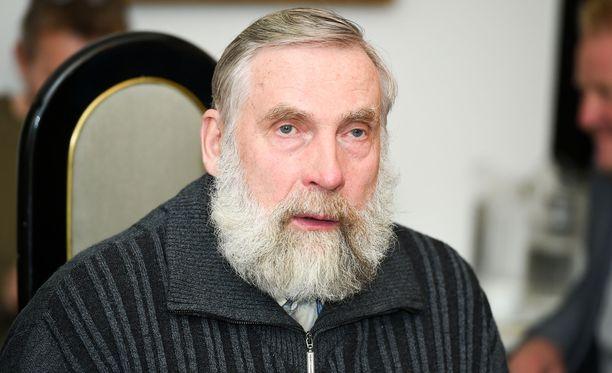 Juha Mieto on tunnetusti erittäin suuri jouluherkkujen, ja etenkin torttujen, ystävä.