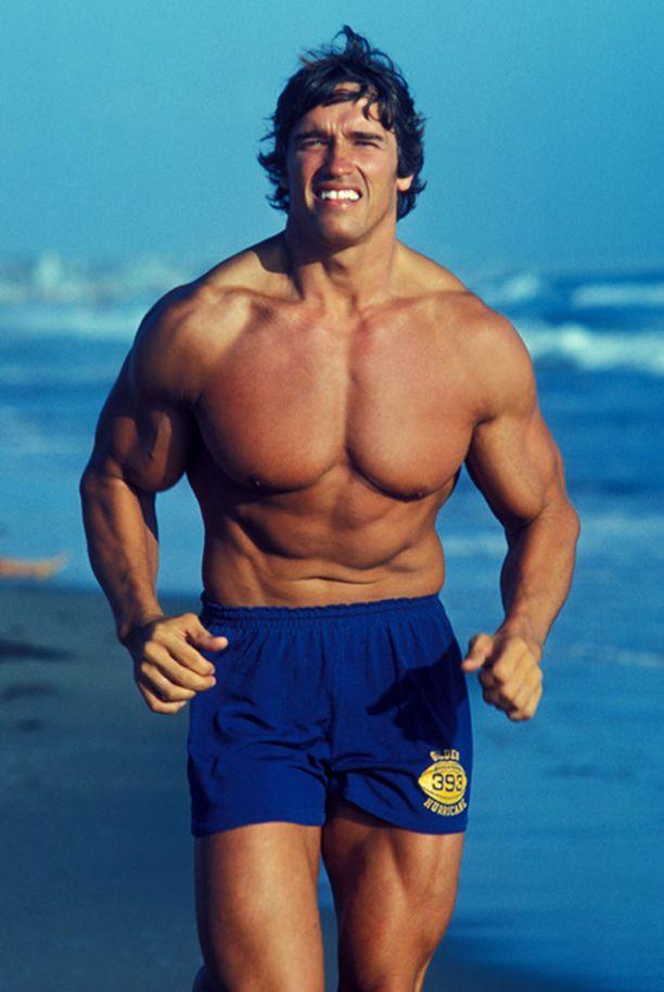 Arnold Schwarzenegger voitti Mr Olympian vuosina 1970-1975 ja 1980. Kehonrakennusuran jälkeen hänestä tuli maailman suurimpia filmitähtiä.