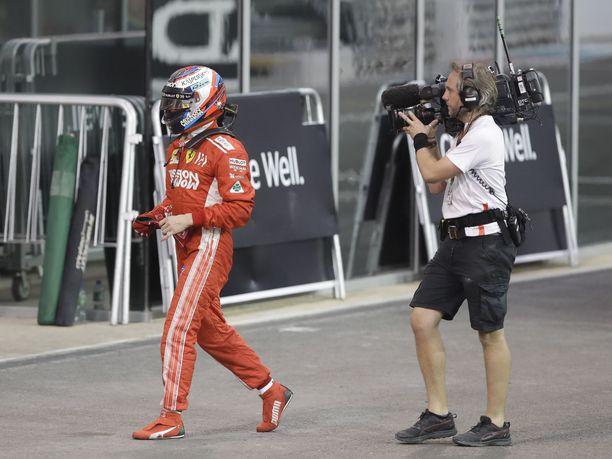 Kimi Räikkösen viimeinen Ferrari-kilpailu päättyi ennen aikojaan.