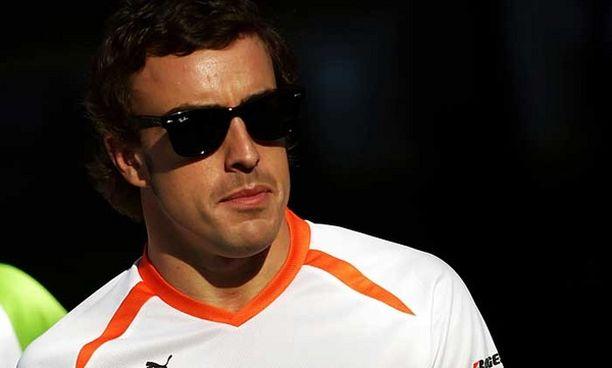Espanjan mediassa on pitkin kesää huhuttu, että Alonso olisi jo allekirjoittanut sopimuksen Ferrarin kanssa.