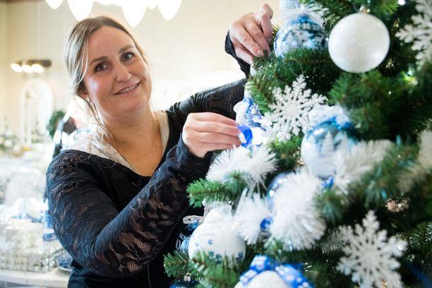 Suomi 100 -teema on leimannut yrityksen tuotantoa koko vuoden, Johanna Weiste kertoo.