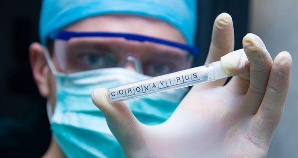 Koronavirustestiin pääsee tällä hetkellä lääkärin lähetteellä.