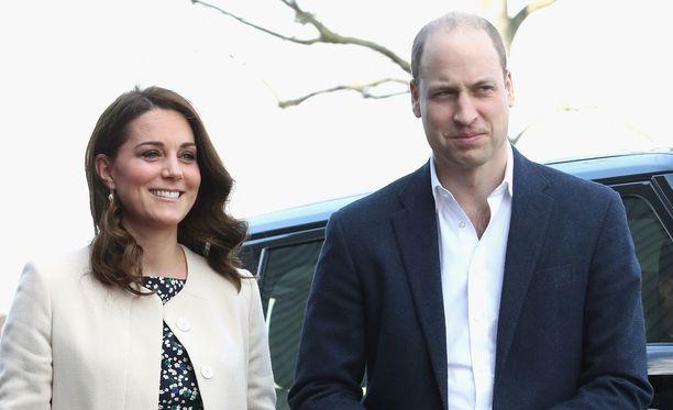 Herttuatar Catherine ja prinssi William ovat pian kolmen lapsen vanhempia.