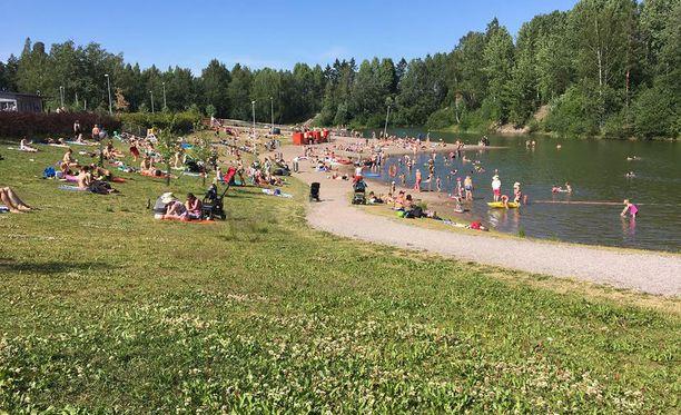 Vetokannaksen uimaranta on valvottu. Valvonnasta vastaa Vantaan kaupungin liikuntapalvelut 4.6.-12.8.2018 välisenä aikana.