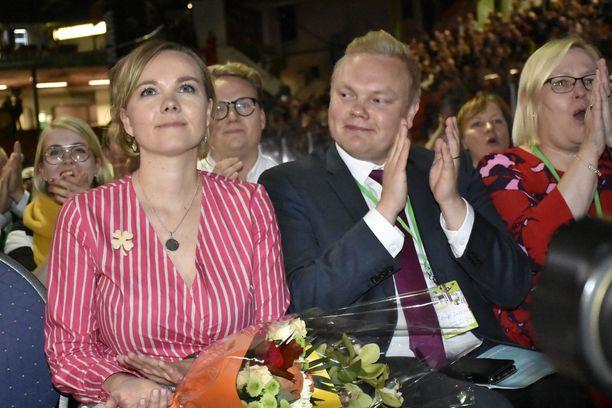 Puheenjohtaja Katri Kulmuni ja eduskuntaryhmän puheenjohtaja Antti Kurvinen huokuivat uskoa keskustaan ylimääräisessä puoluekokouksessa viime syksynä. IL-kyselyn perusteella keskustavaikuttajat haluavat, että heidän puolueensa pysyy pääministeri Sanna Marinin hallituksessa.