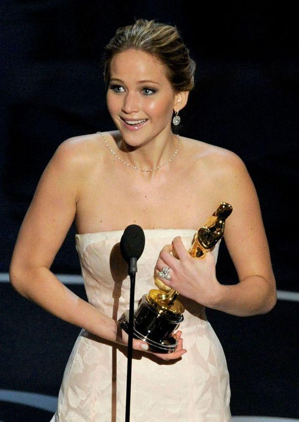 Jennifer Lawrence oli ennakkosuosikki naispääosan palkinnon saajaksi.