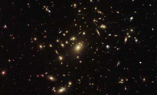 Kaukainen kohde nähtiin Hubble-avaruusteleskoopin avulla.