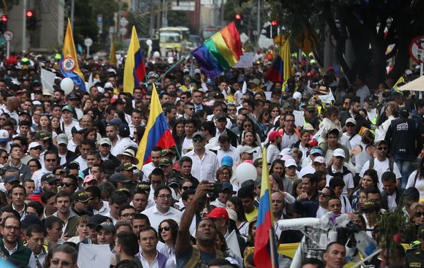 Kolumbialaiset marssivat sunnuntaina Bogotassa ja muissa kaupungeissa terrorismia vastaan.