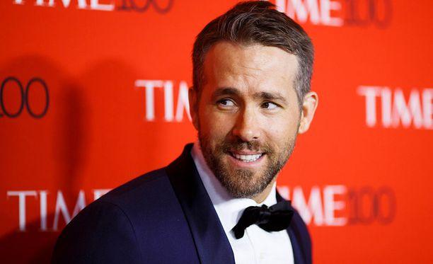Ryan Reynolds on suosittu kanadalainen näyttelijä. Mies on naimisissa Blake Livelyn kanssa. Pariskunnalla on kaksi lasta.