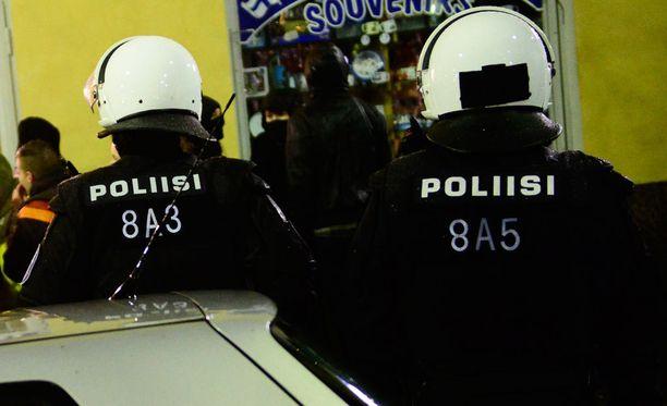 Myös viime vuonna mielenosoituksen työllistivät poliisia itsenäisyyspäivänä.