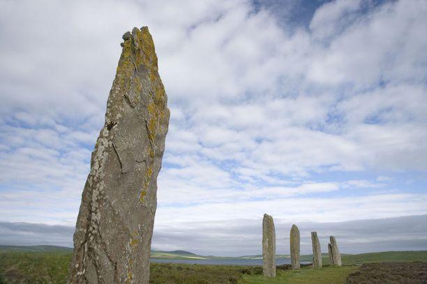 Orkney-saarilta löytyy jäänteitä ajoista, jolloin ne olivat viikinkien hallussa. sekä vielä kauempaa menneisyydestä, kuten nämä kivet.