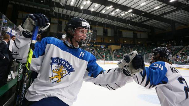 Ville Koivunen tuulettaa Rasmus Ruususen kanssa sunnuntain turnauksessa USA:ssa.