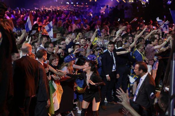 Euroviisujen kansainvälinen tunnelma Lissabonissa oli Saara Aallolle hieno kokemus.