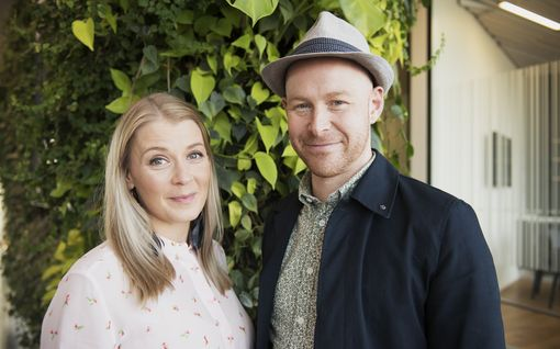 """Salkkarit-tähti Monika Lindeman odottaa vauvaa, paljastaa asian Instagramissa: """"Never say never"""""""