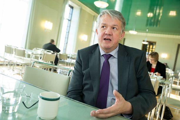 Kansanedustaja Juha Rehulan johdolla sotesta puristettiin toistaiseksi viimeisin malli.
