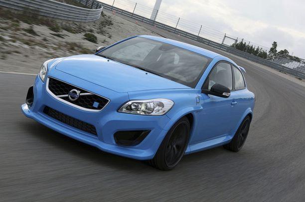 RIPEÄ Volvo C30 Polestar raivoaa radalla lähes kilpa-auton nopeudella. Tuplaputket sylkevät maailmalle 405 hevosvoiman äänimaailmaa.