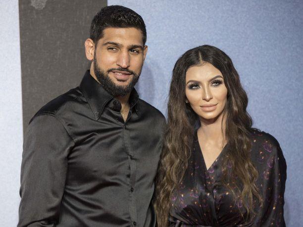Amir Khan on ollut paljon kohuotsikoissa vaimonsa Faryal Makhdoomin kanssa.