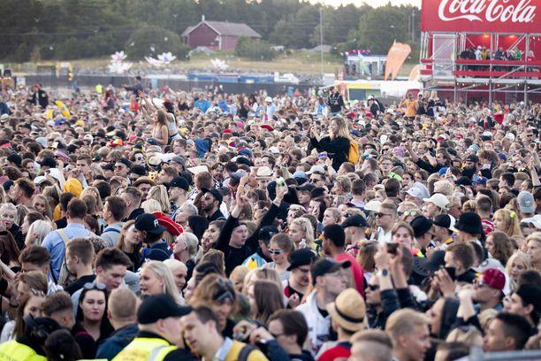 Ruisrock ilmoitti jo, että festivaali on tältä kesältä peruttu. Ruisrock piti järjestää heinäkuun alussa.