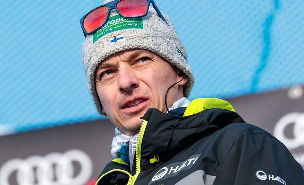 Andreas Mitter uskoo, että suomalaiset nostavat tasoaan mäkiviikon kahdessa viimeisessä kisassa.