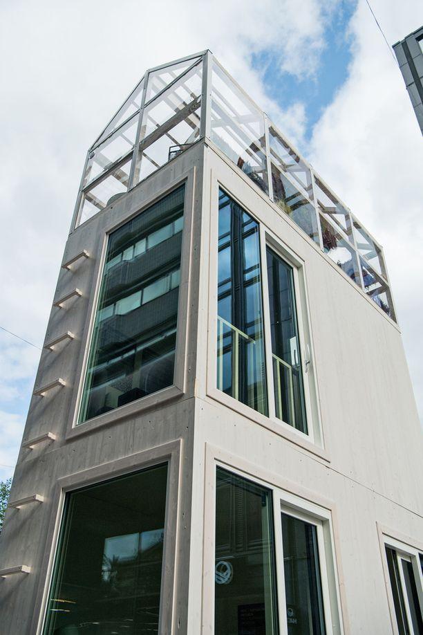 Kolmikerroksisen talon jokaisessa kerroksessa on tilaa 12,5 neliötä.