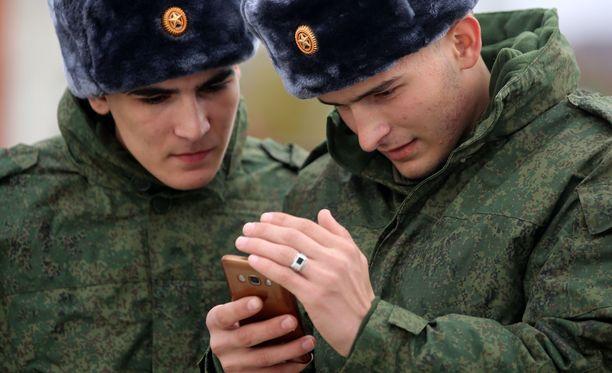 Sotilailla on ollut puhelimia paikoissa, joissa Venäjän mukaan sillä ei ole sotilaita.