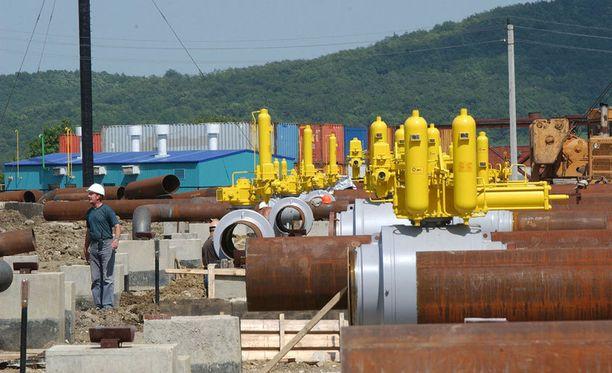 Asiantuntijan mukaan Venäjän talouden romahtaminen synnyttäisi maassa levottomuuksia, jolloin maassa ei pystyttäisi tuottamaan energiatuotteita vientiin.