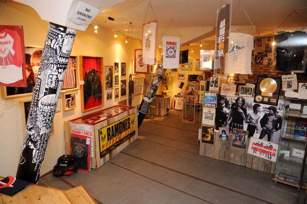 Berliinistä löytyy myös punkyhtye Ramonesille omistettu museo.
