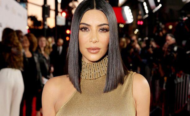 Kim Kardashianilla on uudet hiukset.