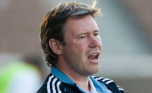 Keith Armstrong valmensi Veikkausliigassa viimeksi 2007 HJK:ssa. Hän voi päästä jatkamaan valmentajauraansa liigassa Ilveksen ruorissa.