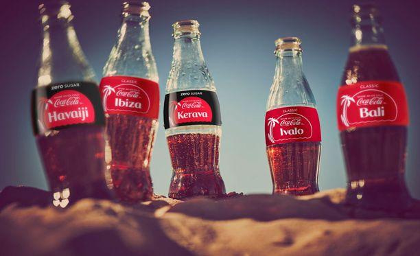 Coca-Colan uusissa etiketeissä on suosittujen matkailukohteiden nimiä.
