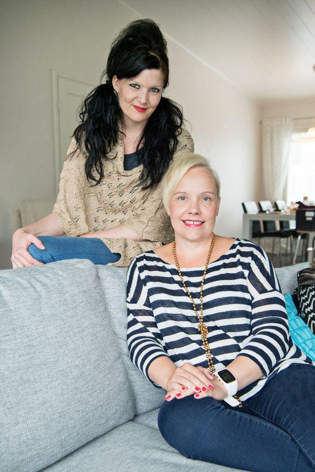 Psykoterapeutti Johanna Mäki-Petäjän mukaan moni erityisherkkä uupuu työelämän paineissa. Niin kävi myös Marjo Heinoselle.