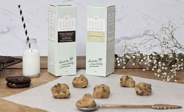 Pakastetun cookietaikinan makuina ovat amerikkalaiset suosikit triple chocolate ja chocolate chip.