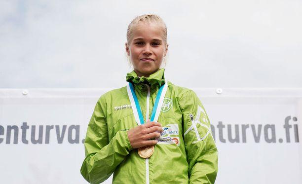 Alisa Vainiolla on kova kilpailuvietti.