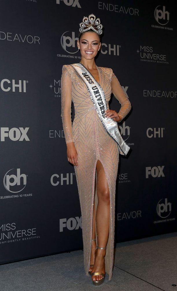 Nel-Petersin kausi Miss Etelä-Afrikkana ei alkanut parhaissa mahdollisissa merkeissä, kun kaappaajat hyökkäsivät hänen autoonsa.