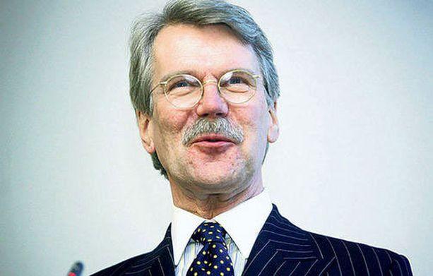 Björn Wahlroos vitsaili lastensa hintavilla elämäntyyleillä.