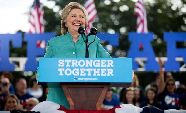 Clinton esiintyi kannattajilleen tärkeässä Floridan osavaltiossa lauantaina.