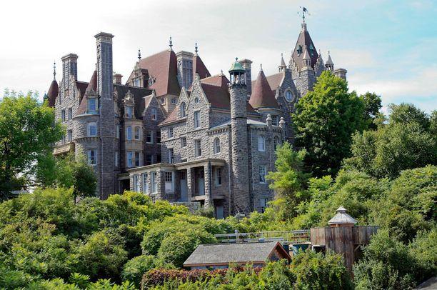 Bold Castlen rakennustyöt keskeytyivät vuosikymmeniksi.