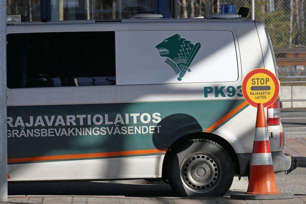 Rajavartiolaitos tutkii kansanedustajan luvatonta Ruotsin visiittiä.
