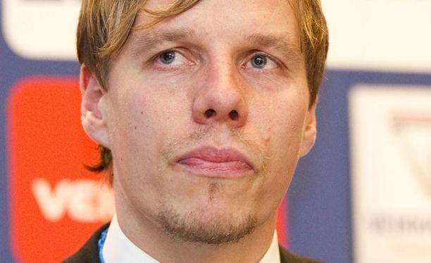 Oulun kenttäolosuhteet aiheuttavat päänvaivaa Sami Ristilälle.