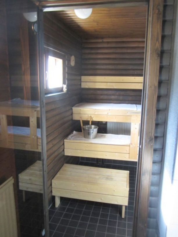 Talon sauna on uusittu viime vuonna.